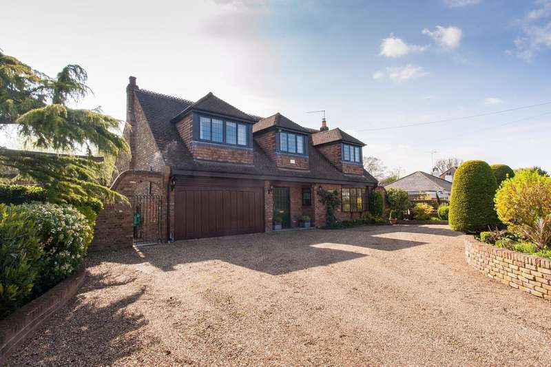 4 Bedrooms Detached House for sale in Brookside Avenue, Wraysbury TW19