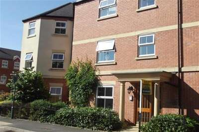 2 Bedrooms Flat for rent in Ratcliffe Avenue, Kings Norton