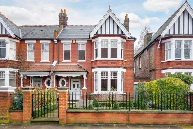 5 Bedrooms Semi Detached House for sale in Hale Gardens, Acton