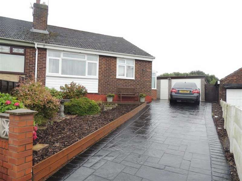 2 Bedrooms Semi Detached Bungalow for sale in Windermere Avenue, Denton, Manchester