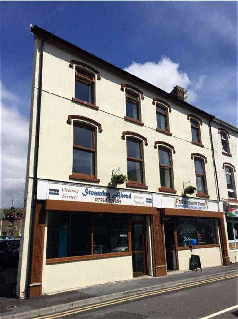 1 Bedroom Flat for sale in Station Road, Burry Port