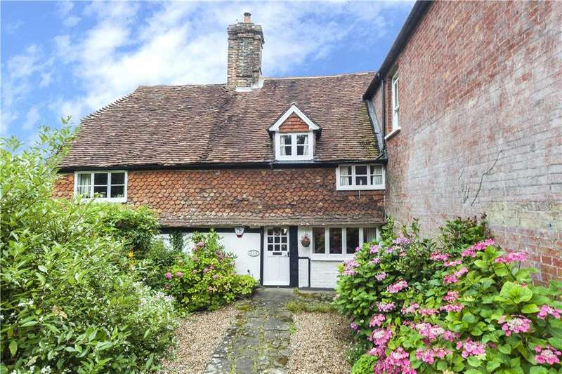 2 Bedrooms Terraced House for sale in High Street, Loxwood, Billingshurst, West Sussex, RH14
