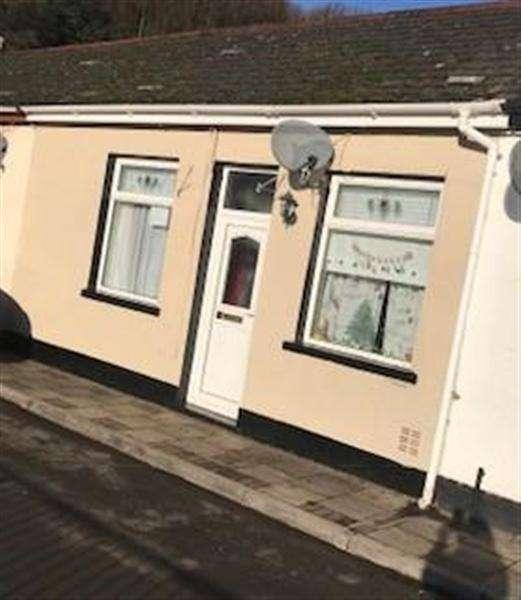 2 Bedrooms Bungalow for rent in Baptist Square, Blaenllechau, Ferndale