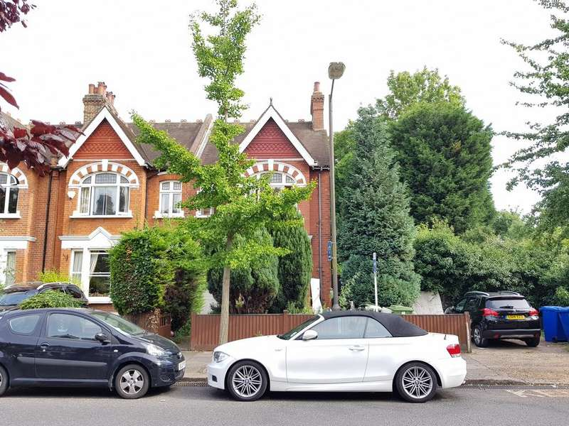 5 Bedrooms Semi Detached House for rent in Turney Road, London SE21
