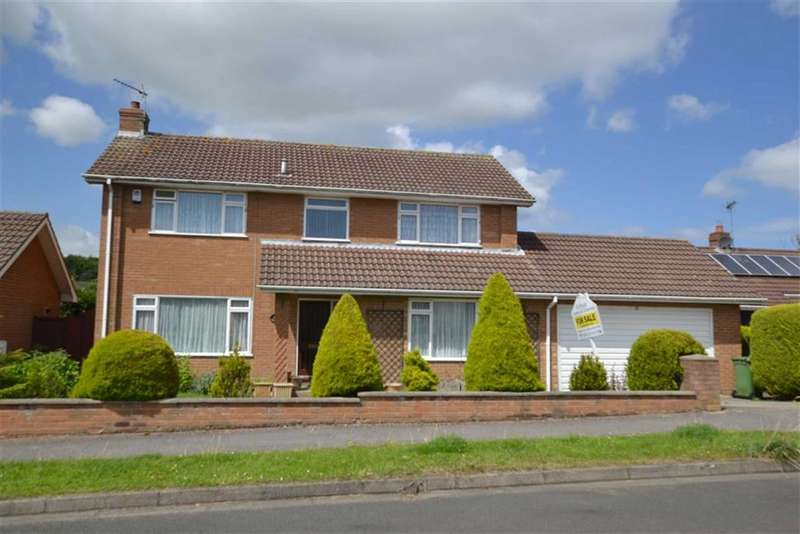 3 Bedrooms Detached House for sale in Keppel Drive, Bridlington, East Yorkshire, YO16