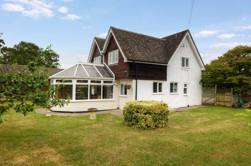 4 Bedrooms Detached House for sale in Bishopstone, Aylesbury