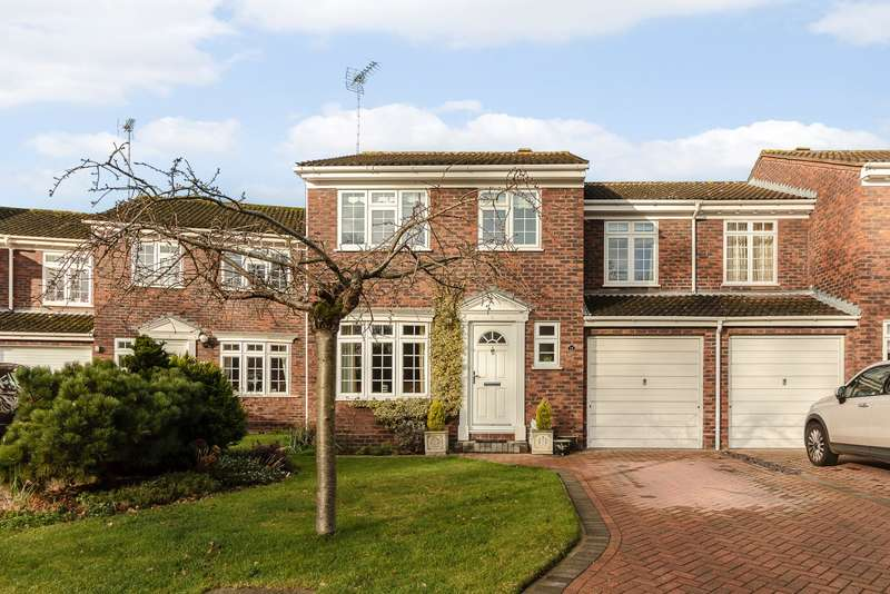 4 Bedrooms House for sale in Addlestone