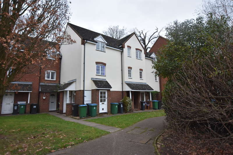 1 Bedroom Flat for sale in Ravenscroft, Garston Watford