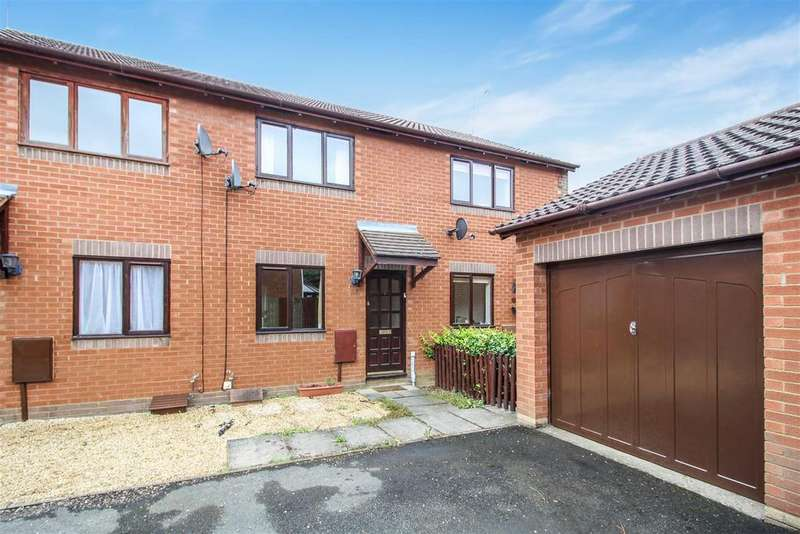 2 Bedrooms Terraced House for sale in Flying Fields Road, Southam