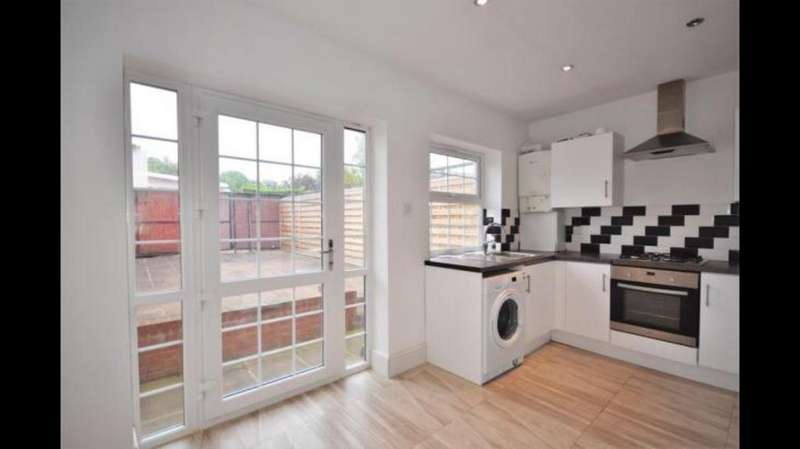 5 Bedrooms Town House for rent in marloes cl, north wembley HA0
