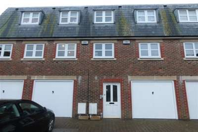 2 Bedrooms Flat for rent in Chawbrook mews