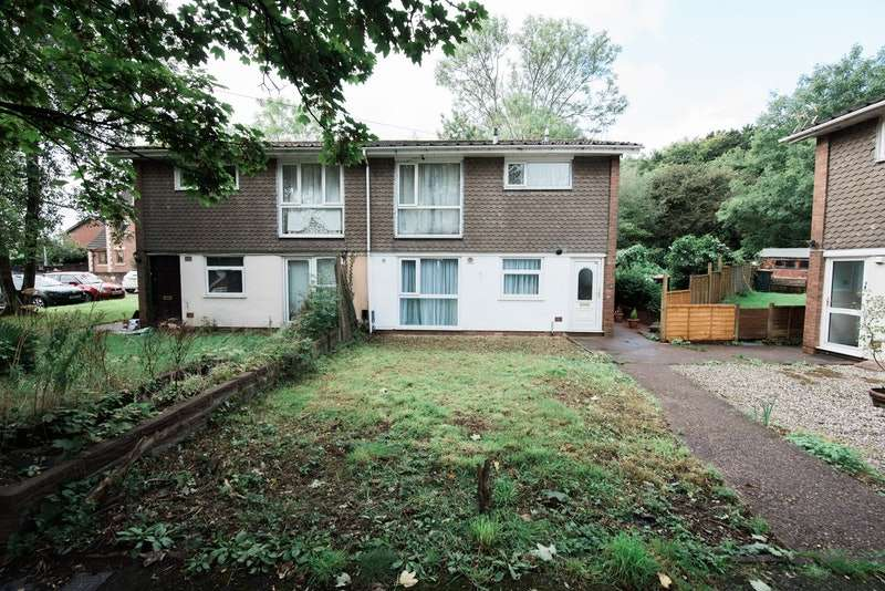 2 Bedrooms Flat for sale in Cambridge Court, Newport, Monmouthshire, NP18