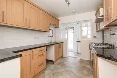 4 Bedrooms House for rent in Snaresbrook