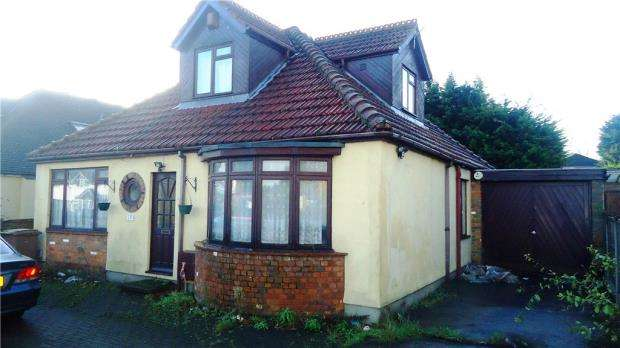 3 Bedrooms Detached Bungalow for sale in Toddington Road, Luton
