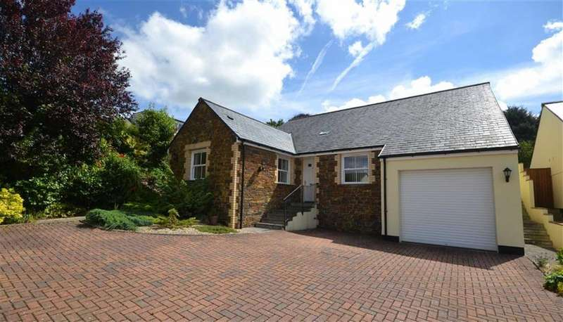 3 Bedrooms Bungalow for sale in Priory Road, Bodmin, Cornwall, PL31