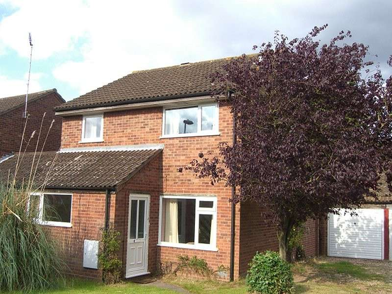 3 Bedrooms House for rent in Walcot Close, Cloverhill, Norfolk