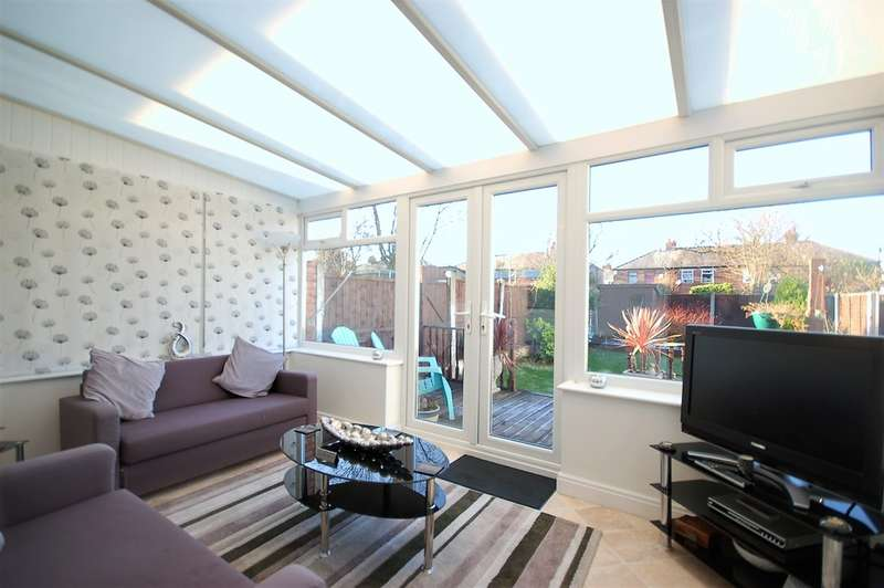 3 Bedrooms End Of Terrace House for sale in Winton Avenue, Blackpool