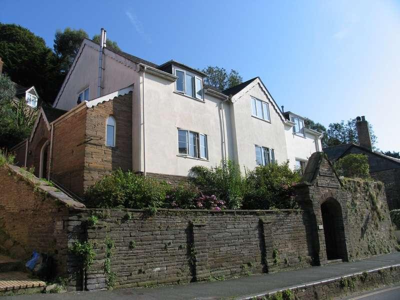 2 Bedrooms Flat for sale in Hill Park, Kingsbridge Town, Kingsbridge, Devon