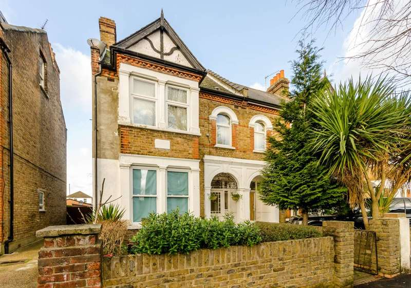 Studio Flat for sale in St Stephens Road, Hounslow, TW3