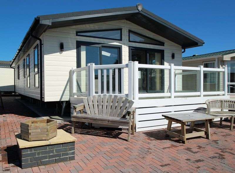 2 Bedrooms Property for sale in Gnome World Holiday Park Moorland Road Indian Queens, St. Columb