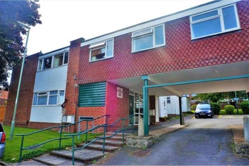 2 Bedrooms Flat for sale in Darent Court, Basingstoke, RG21