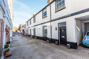 2 Bedrooms Terraced House for sale in Olde Place Mews, The Green, Rottingdean, East Sussex