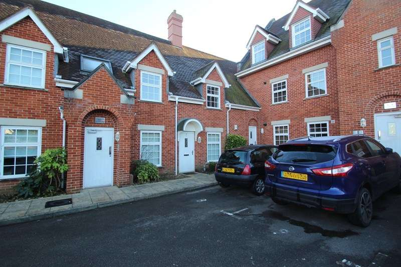 2 Bedrooms Apartment Flat for sale in Old School Court, Fareham