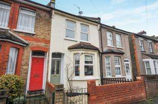 2 Bedrooms Terraced House for sale in Churchill Road, South Croydon