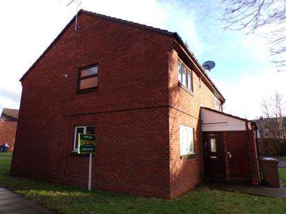 1 Bedroom Maisonette Flat for sale in Circuit Close, Willenhall, West Midlands