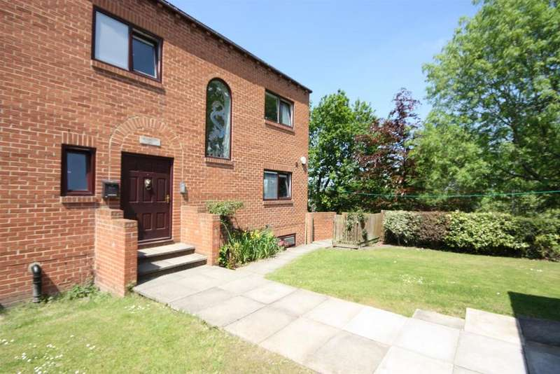7 Bedrooms Detached House for sale in The Old Orchard, Bramley