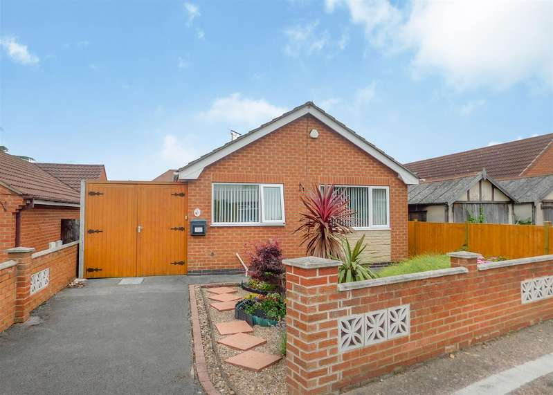 2 Bedrooms Detached Bungalow for sale in Sycamore Road, Long Eaton