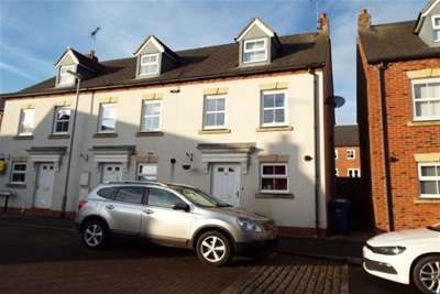 3 Bedrooms Town House for rent in 54 Drovers Close, Uttoxeter