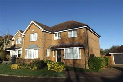 5 Bedrooms House for rent in York Close, Chandlers Ford