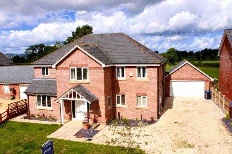 4 Bedrooms Detached House for sale in Parc Tyn Llan, Llandyrnog