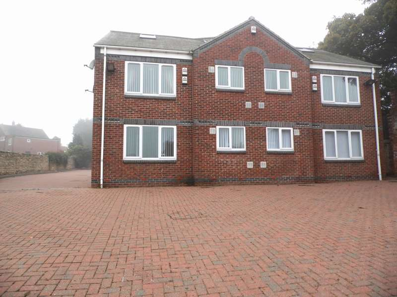 2 Bedrooms Apartment Flat for rent in Cross Street Doncaster Balby