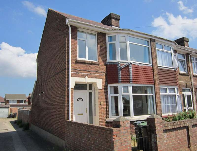 3 Bedrooms Property for rent in Welch Road, Gosport, PO12