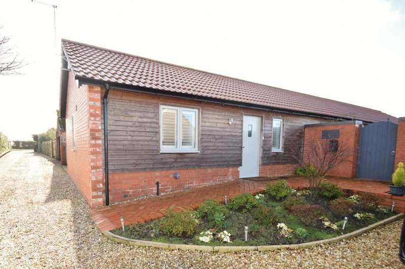 3 Bedrooms Barn Conversion Character Property for rent in Wareham