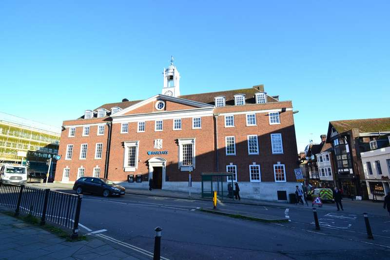 Office Commercial for rent in Third Floor St George's Chambers, St George's Street, Winchester, SO23 8AJ