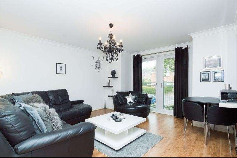 2 Bedrooms Property for sale in 2/3 Clerwood View, Clermiston, Edinburgh EH12 8PH