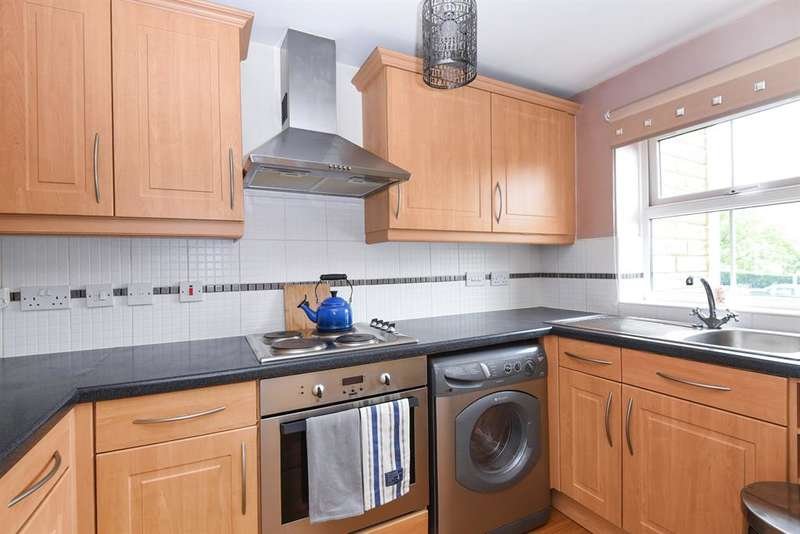 2 Bedrooms Apartment Flat for sale in Meadow Road, Bradford, BD10 0LS