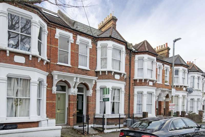 4 Bedrooms Terraced House for sale in Forthbridge Road, Battersea