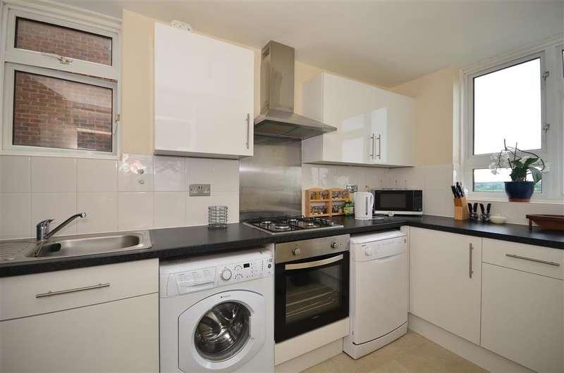 3 Bedrooms Flat for sale in Gardner Close, , Wanstead