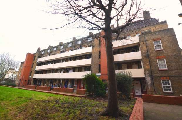 1 Bedroom Flat for sale in Burns House, Doddington Grove, Kennington, SE17
