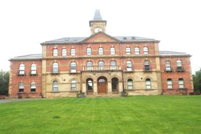 2 Bedrooms Flat for rent in Middlewood Lodge, s6