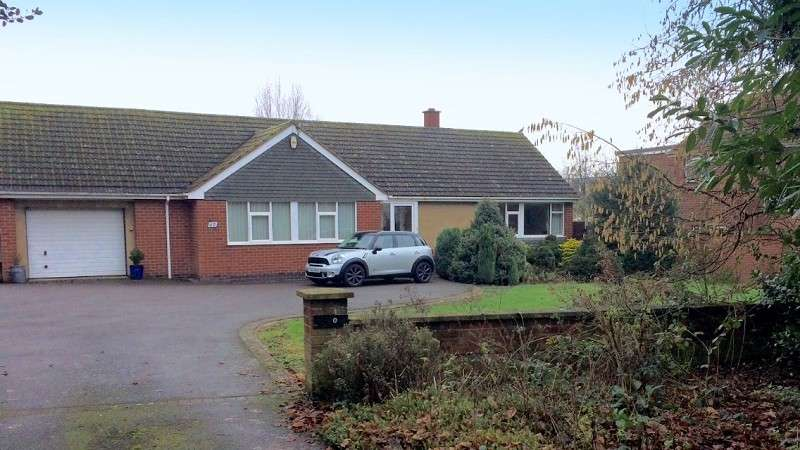 3 Bedrooms Property for sale in Bulkington Lane, Nuneaton, Warwickshire. CV11 4SA