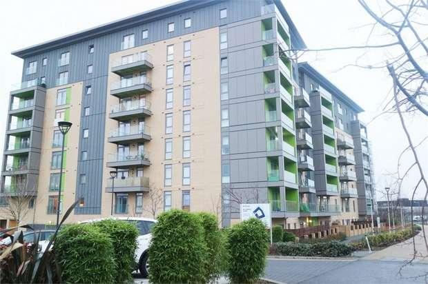 1 Bedroom Flat for sale in Lakeside Drive Park Royal, London