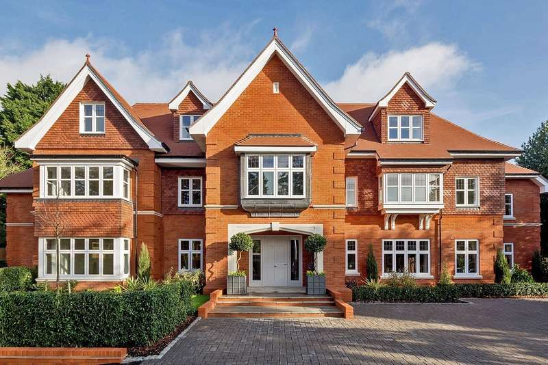 3 Bedrooms Apartment Flat for sale in Penn Road, Beaconsfield, HP9