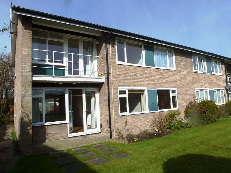 2 Bedrooms Flat for rent in De Freville Court, De Freville Road, Cambridge
