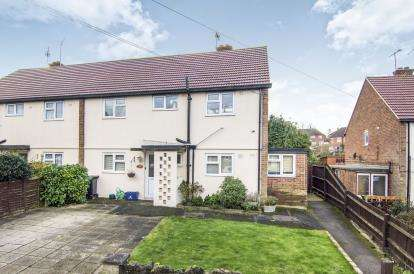 2 Bedrooms Maisonette Flat for sale in Epping, Essex