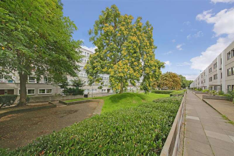 3 Bedrooms Flat for sale in Lismore Circus, London